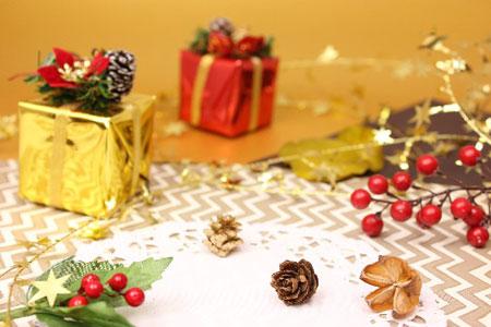 クリスマスプレゼント 大学生